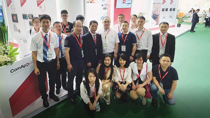 钟氏工程有限公司于上海动力展员工照片